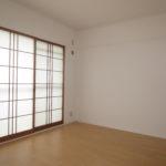 リビング横洋室(旧和室)、カーテン代わりにおしゃれな障子有!