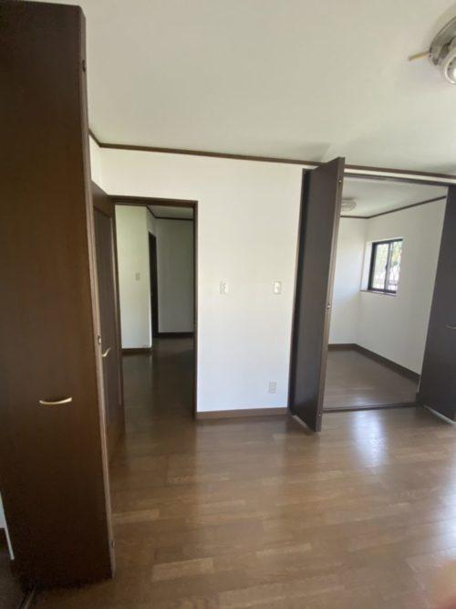 2階東側居室、2つ目のウォークインクローゼット。(内装)